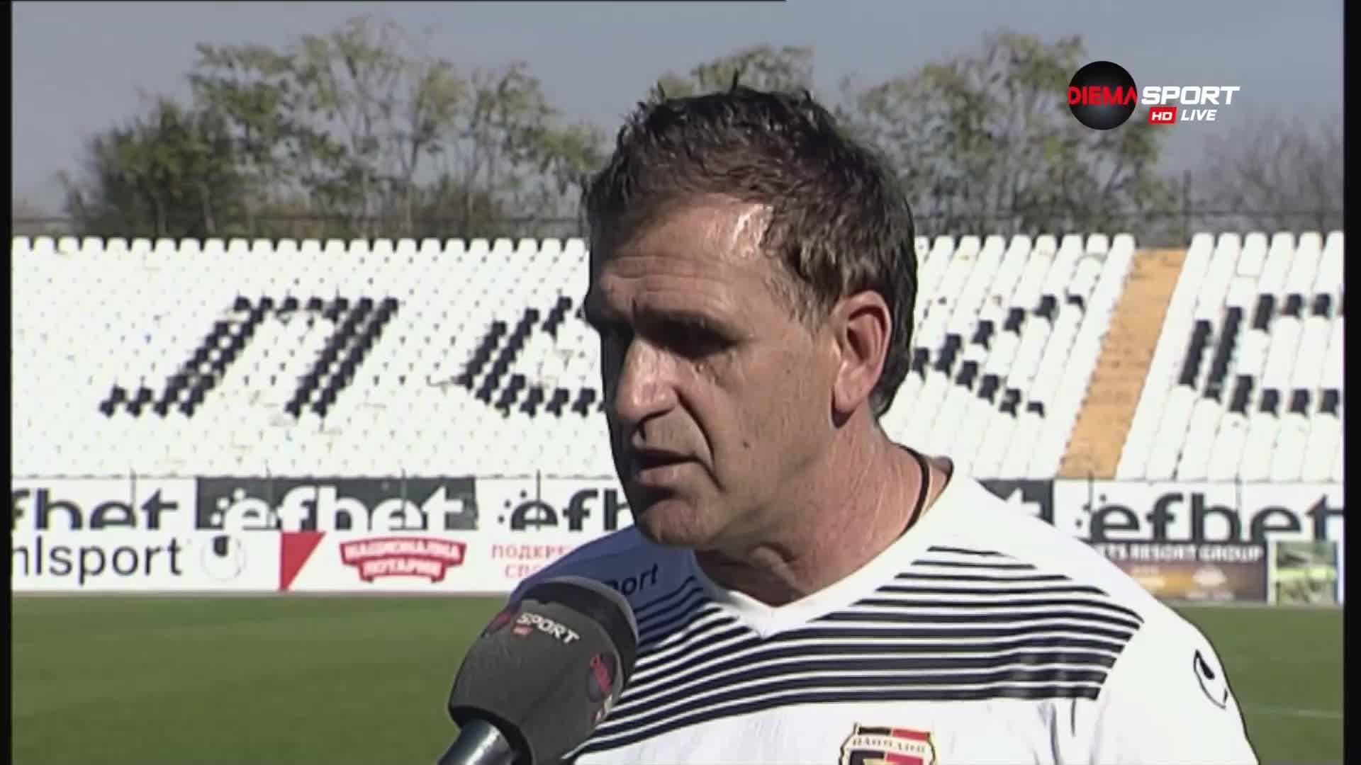 Бруно Акрапович не е преговарял за нов договор