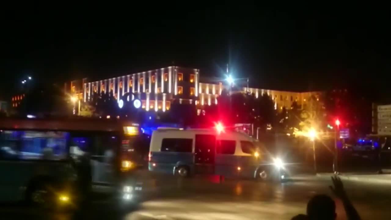 Преврат в Турция, военните поеха контрол над властта