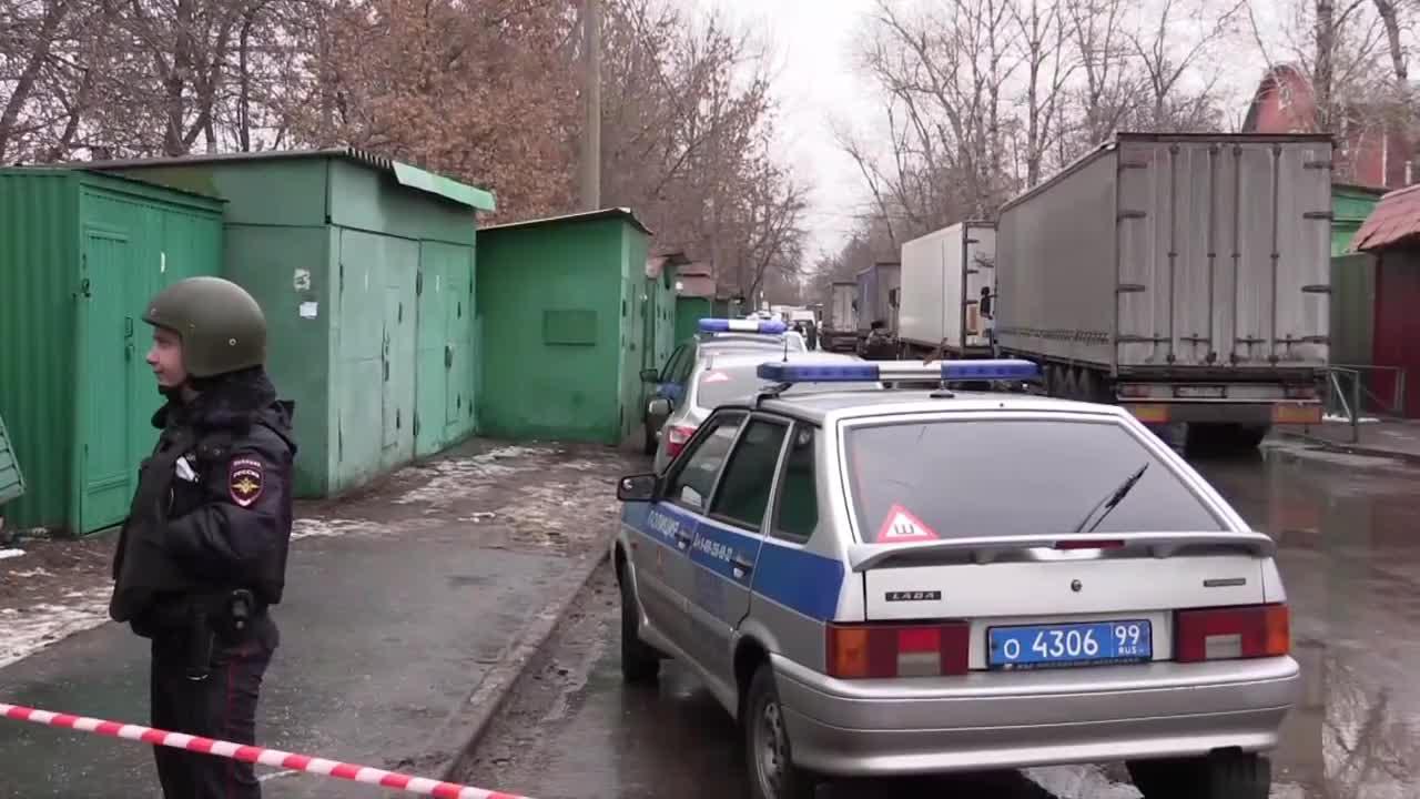 Стрелецът в Москва се изплъзна на полицията