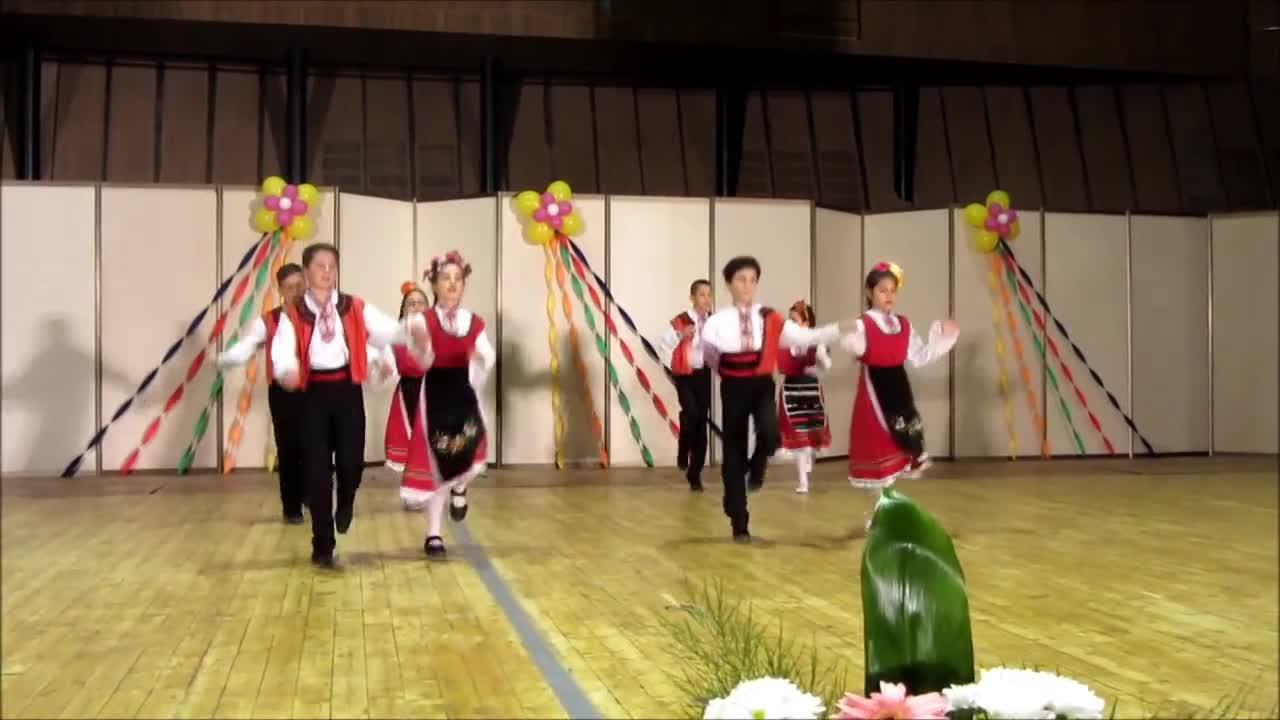 Дайчово хоро.клуб за народни танци Перун Варна.24 април 2016г.