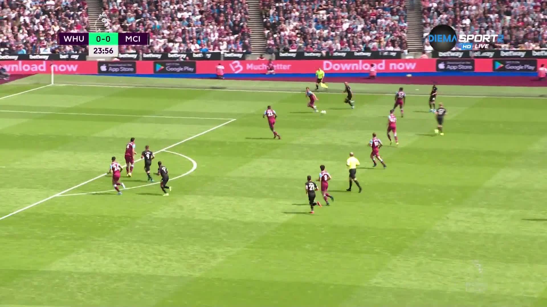 Автогол даде аванс на Манчестър Сити срещу Уест Хем