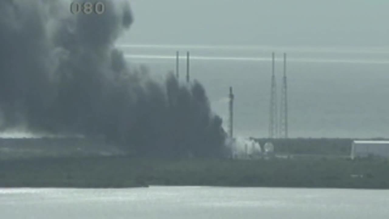 USA: SpaceX rocket explodes on Florida launch pad during testing