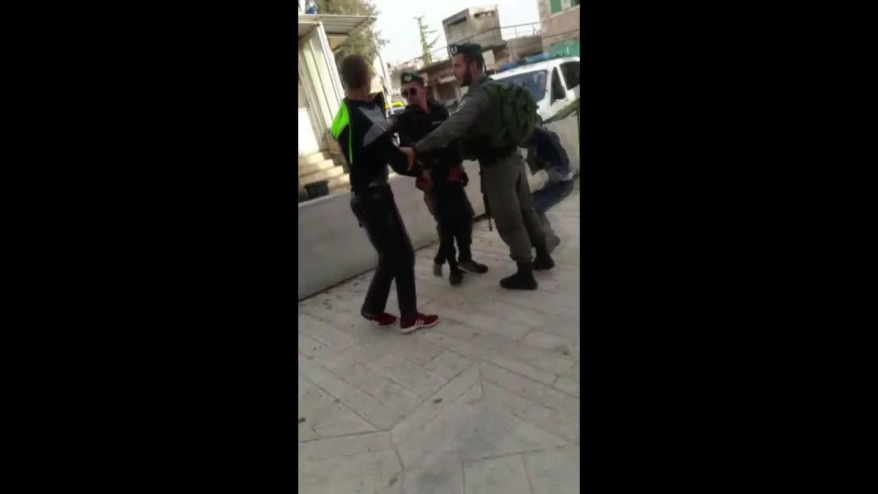 State of Palestine: Israeli soliders detain terrified three-year-old in Hebron