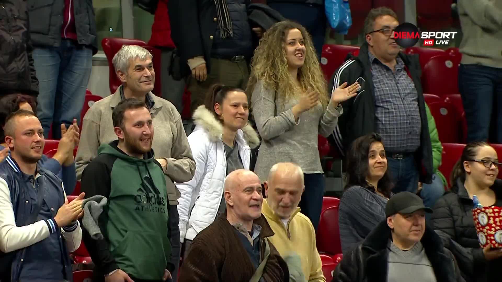 Вавринка направи щастлива част от публиката на DIEMA XTRA Sofia Open