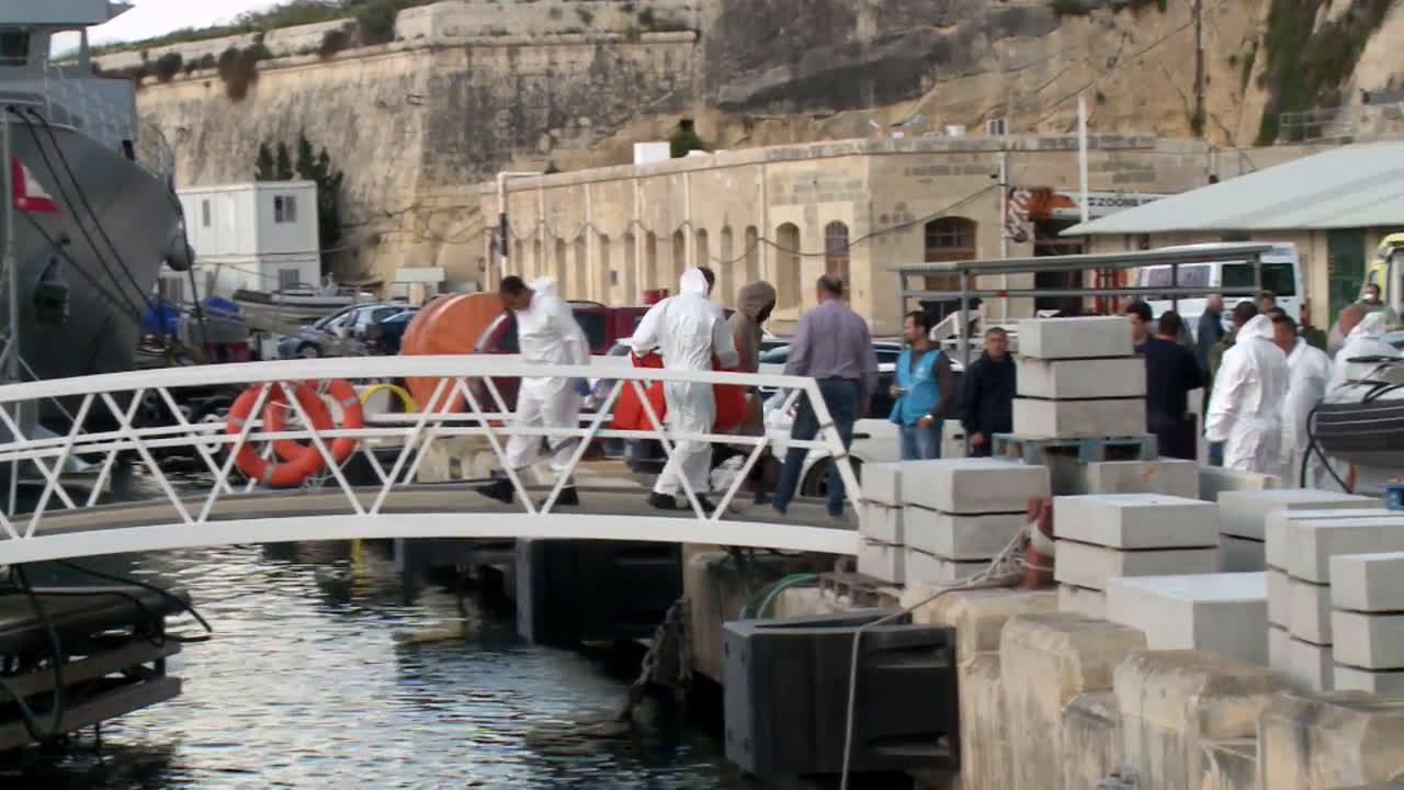 Malta: Dozens of refugees rescued at sea disembark in Malta