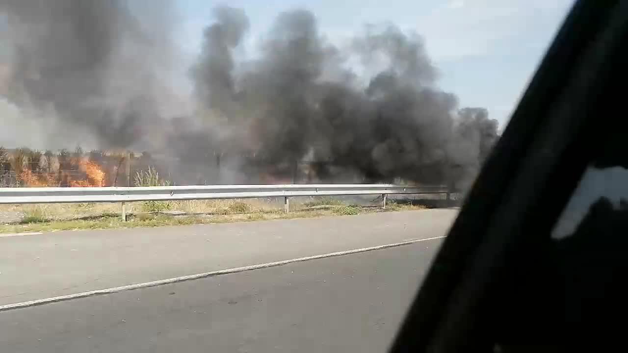 МОЯТА НОВИНА: Горяща кола на автомагистрала Тракия