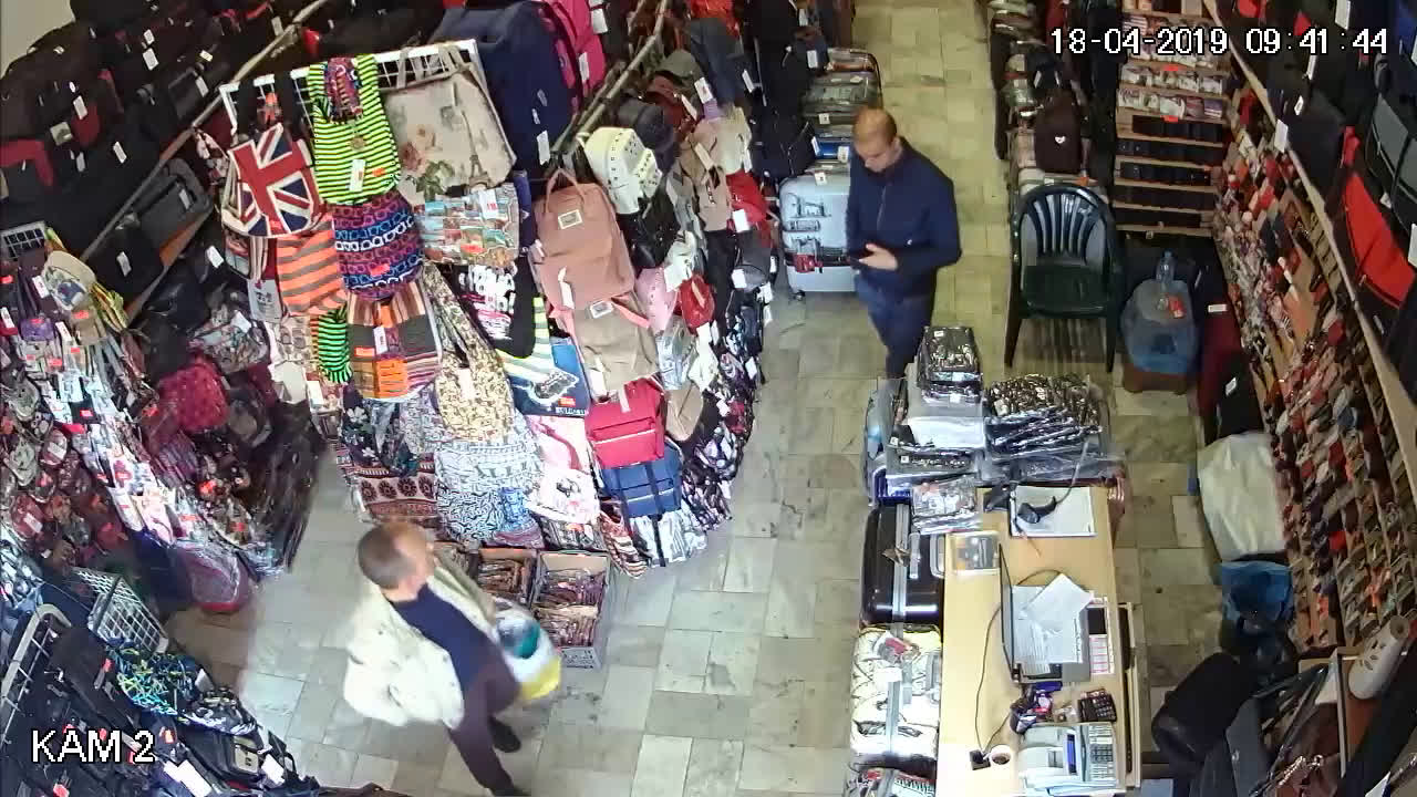 Крадец се опитва да обере магазин в Бургас