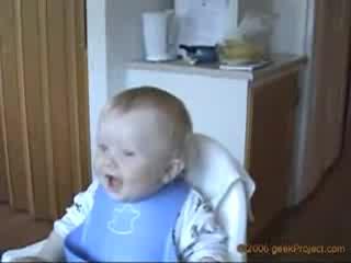 Много Як Смях На Бебе