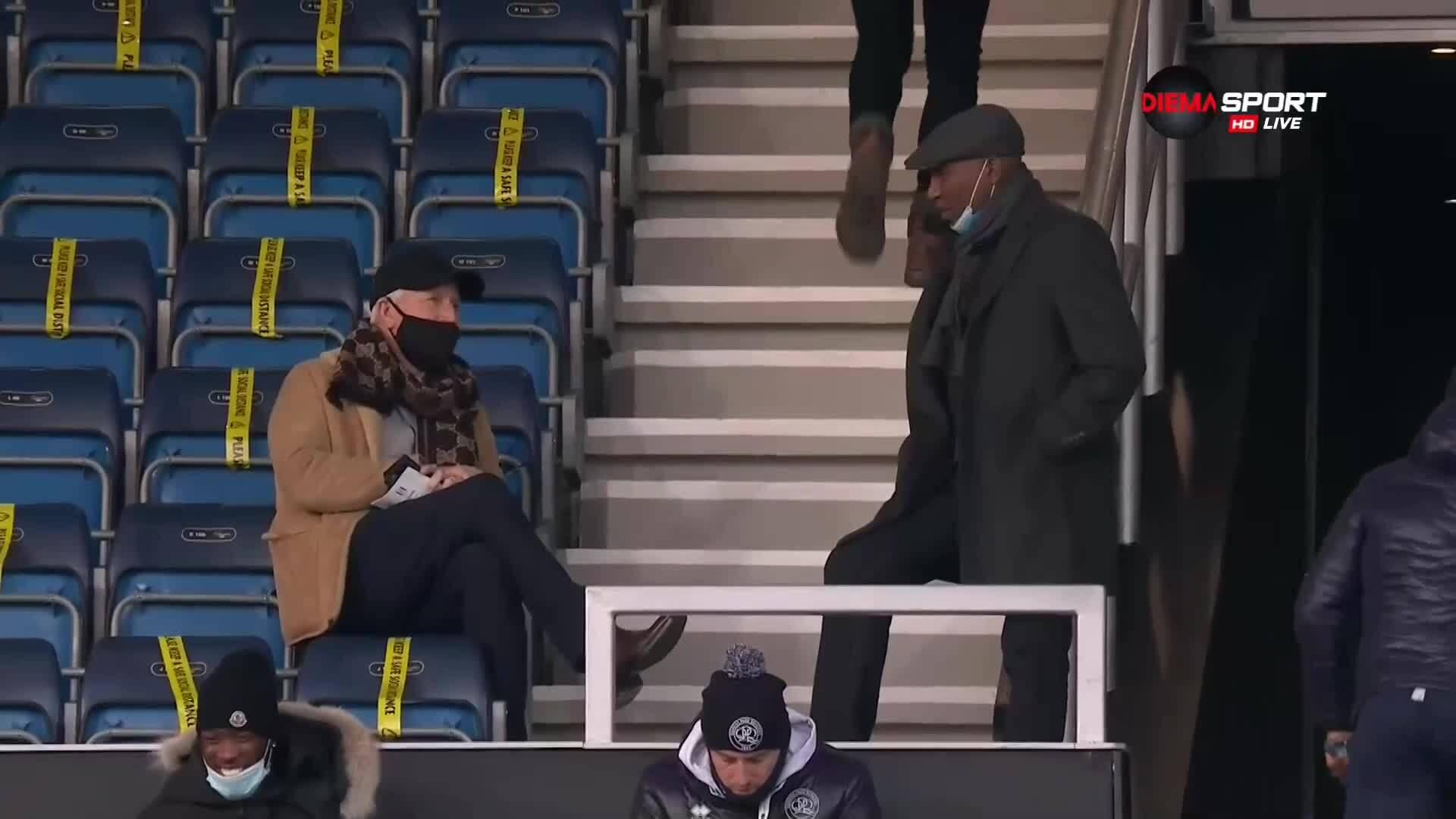Техническият директор на ЦСКА наблюдава лондонско дерби