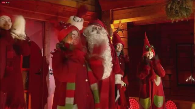 Дядо Коледа потегли от Лапландия с еленския си впряг