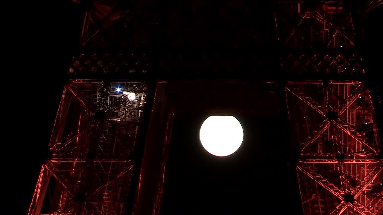 France: 'Sturgeon Moon' brightens Paris night sky