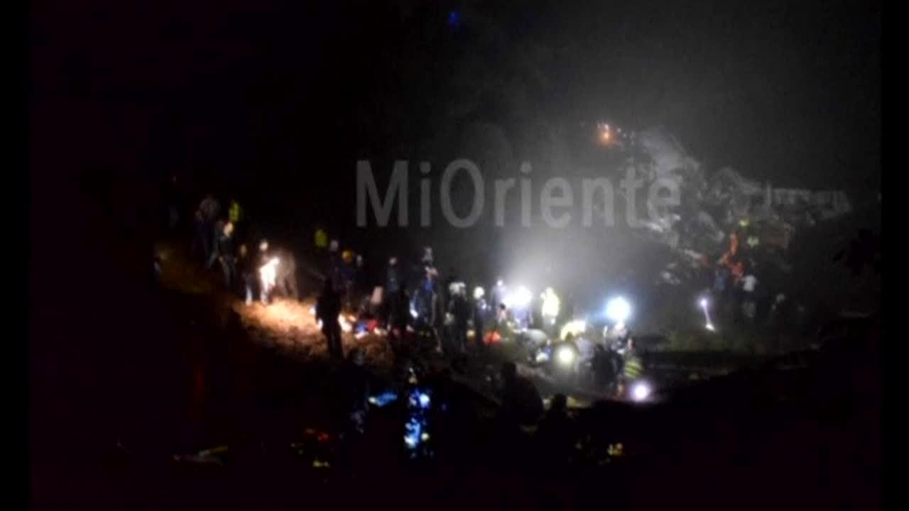 Ужасяващи кадри след самолетната катастрофа в Колумбия