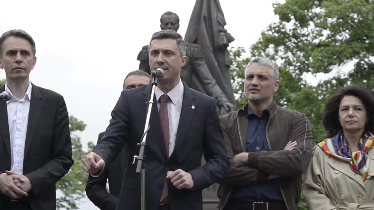 Serbia: Thousands denounce PM over alleged electoral fraud, demand recount