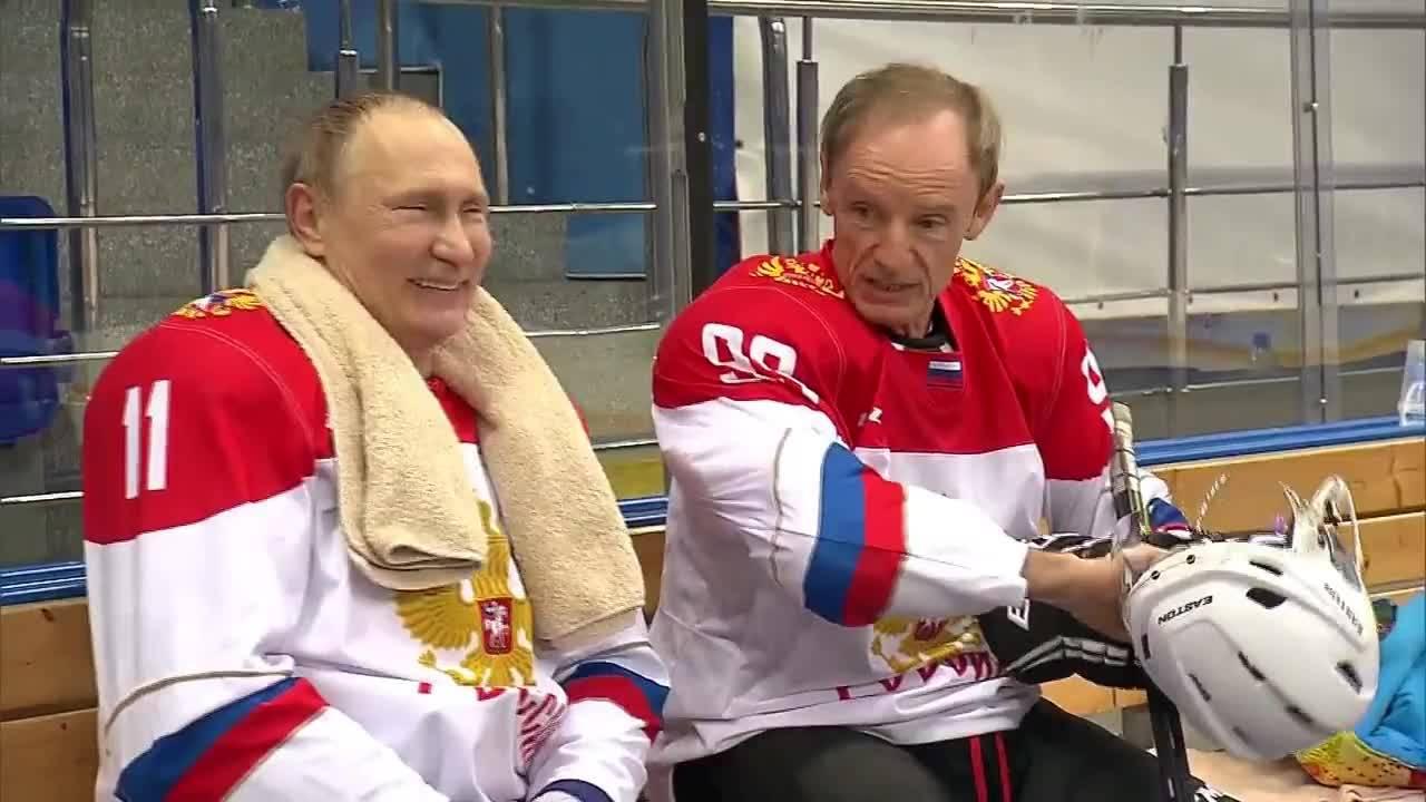 Путин се присъедини към тренировката по хокей с Жан-Клод Кили в Сочи