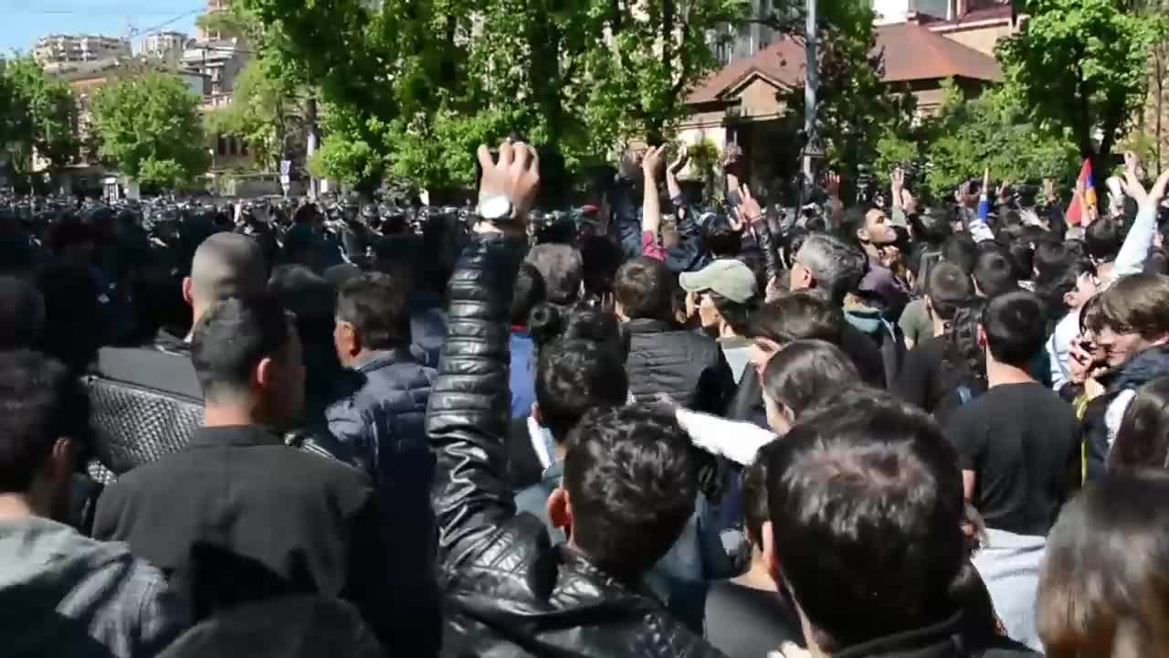 Armenia: Dozens injured amid clashes at rally against former president's bid for PM
