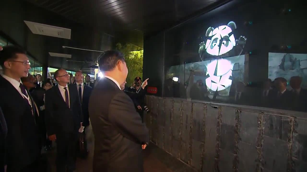 Путин и Си Дзинпин представиха новите панди