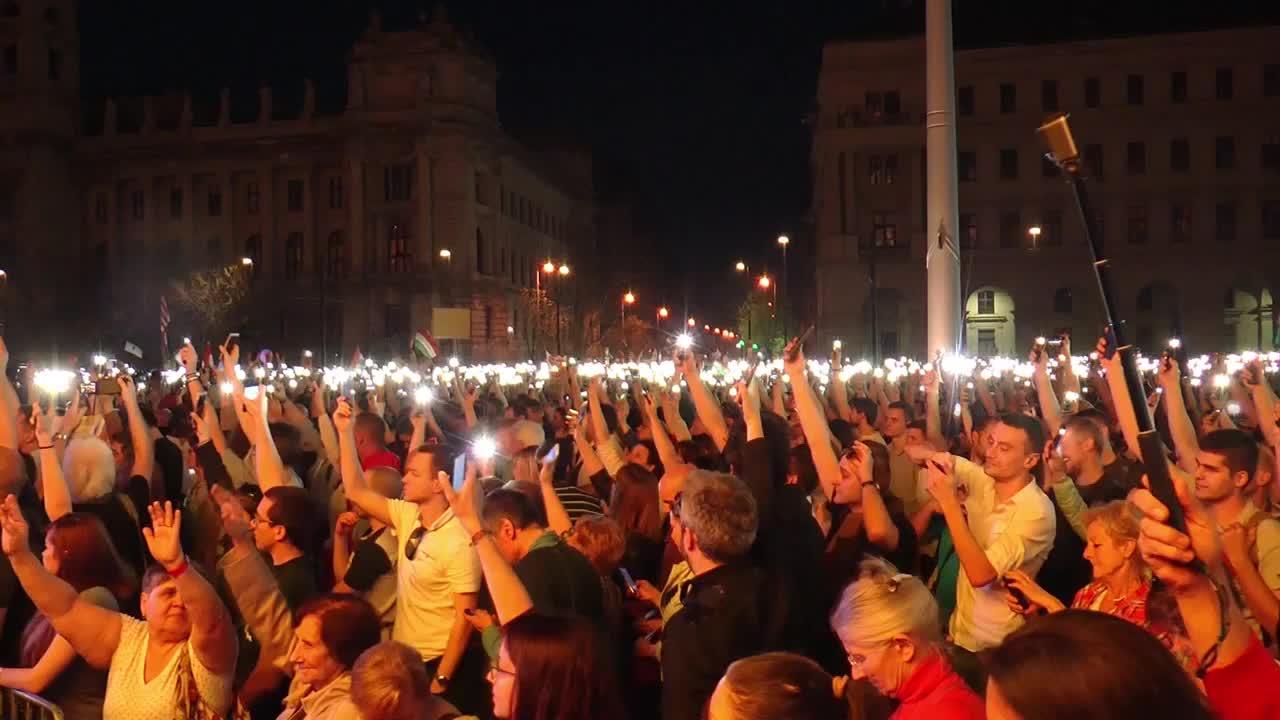 Протестът срещу Виктор Орбан в Будапеща