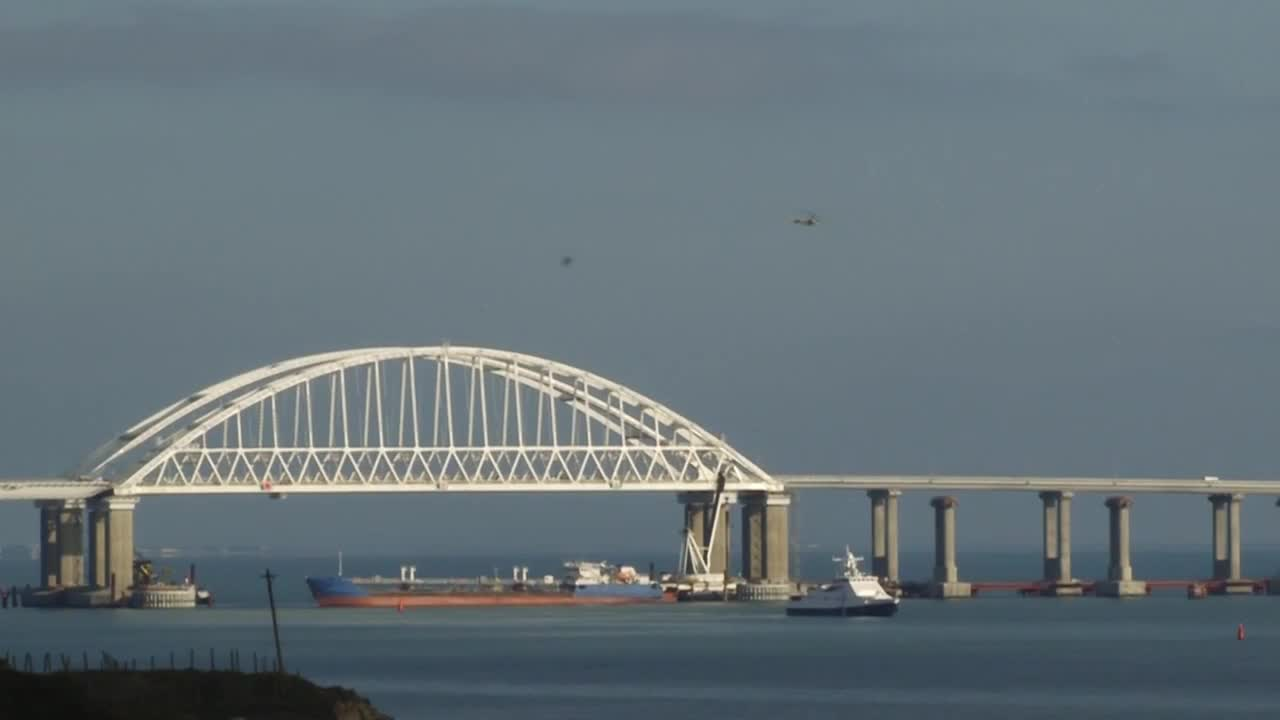 Russia: Russian jets begin patrolling Kerch Strait
