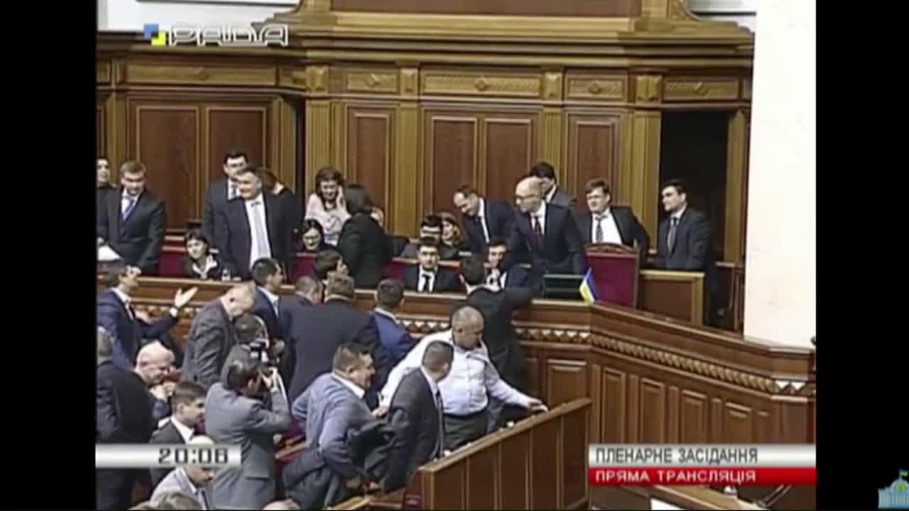 Правителството на Украйна оцеля след вот на недоверие