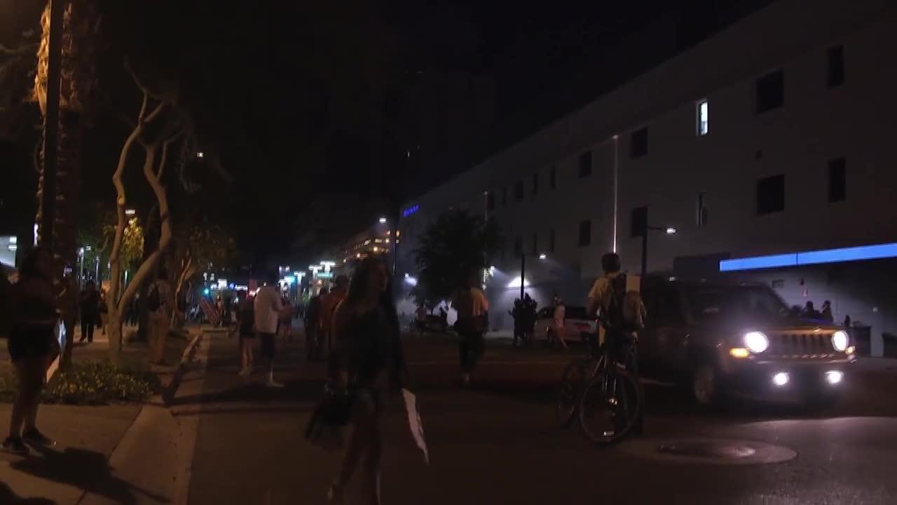 Полицията използва сълзотворен газ, за да разпръсне протест срещу Тръмп