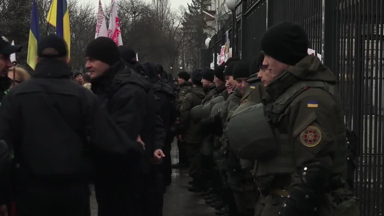 Ukraine: Protesters demand Savchenko\'s release outside Russian embassy in Kiev