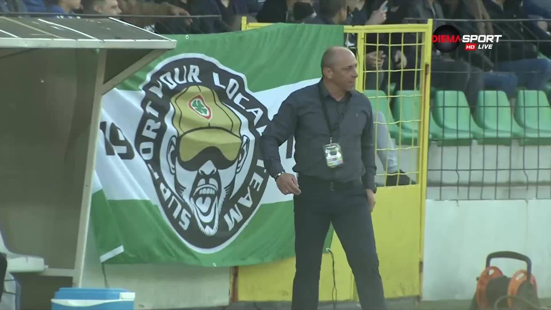 Илиан Илиев побесня, хвърли сакото след третия гол на ЦСКА