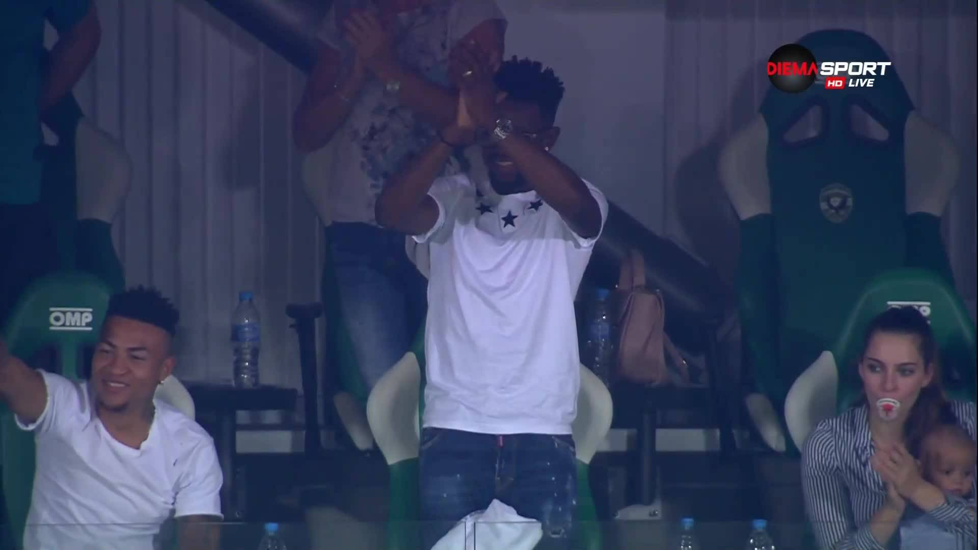 Многомилионният Мисиджан аплодира гола на Лукоки