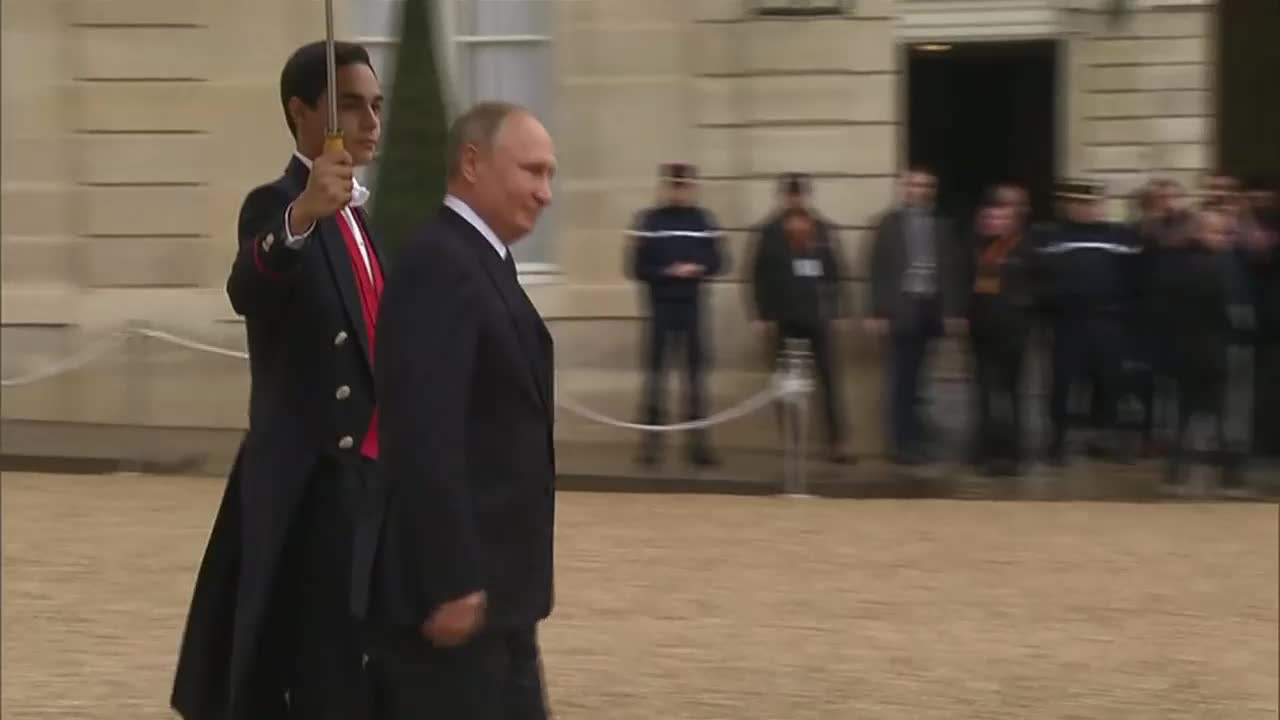 France: Putin confirms talking to Trump during luncheon