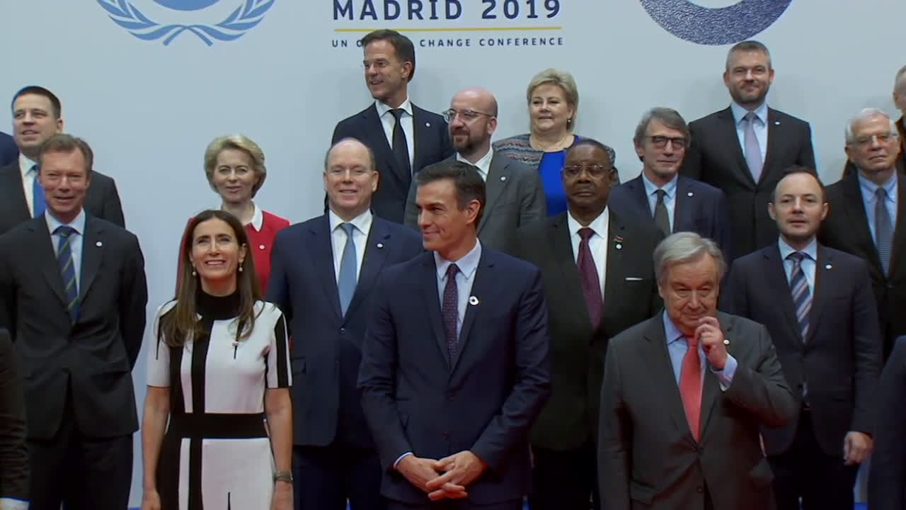 Spain: World leaders pose for joint photo session at Madrid climate talks