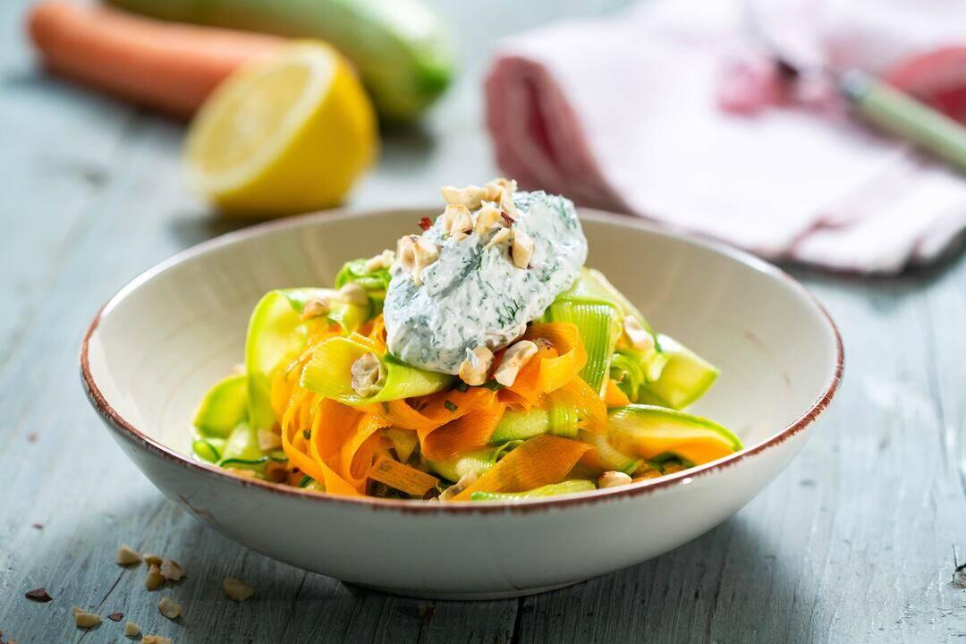 24Kitchen | Бон Апети | Салата с тиквички и моркови