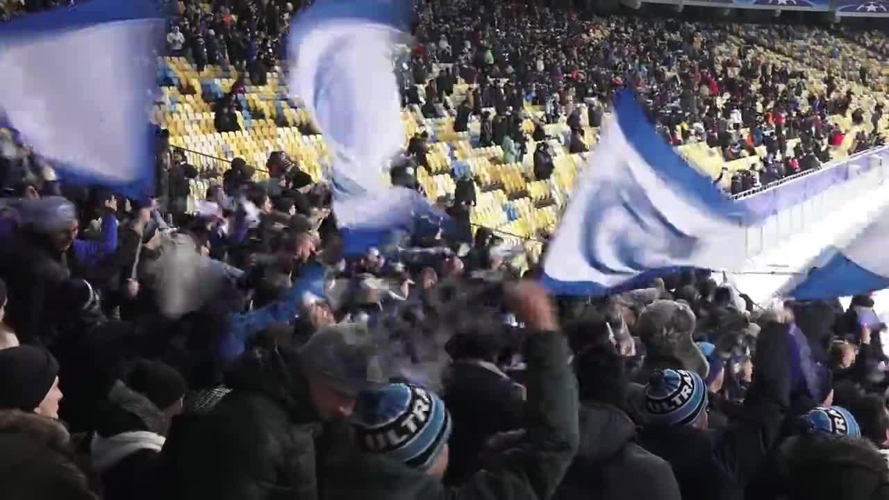 Украински футболни фенове гориха турското знаме