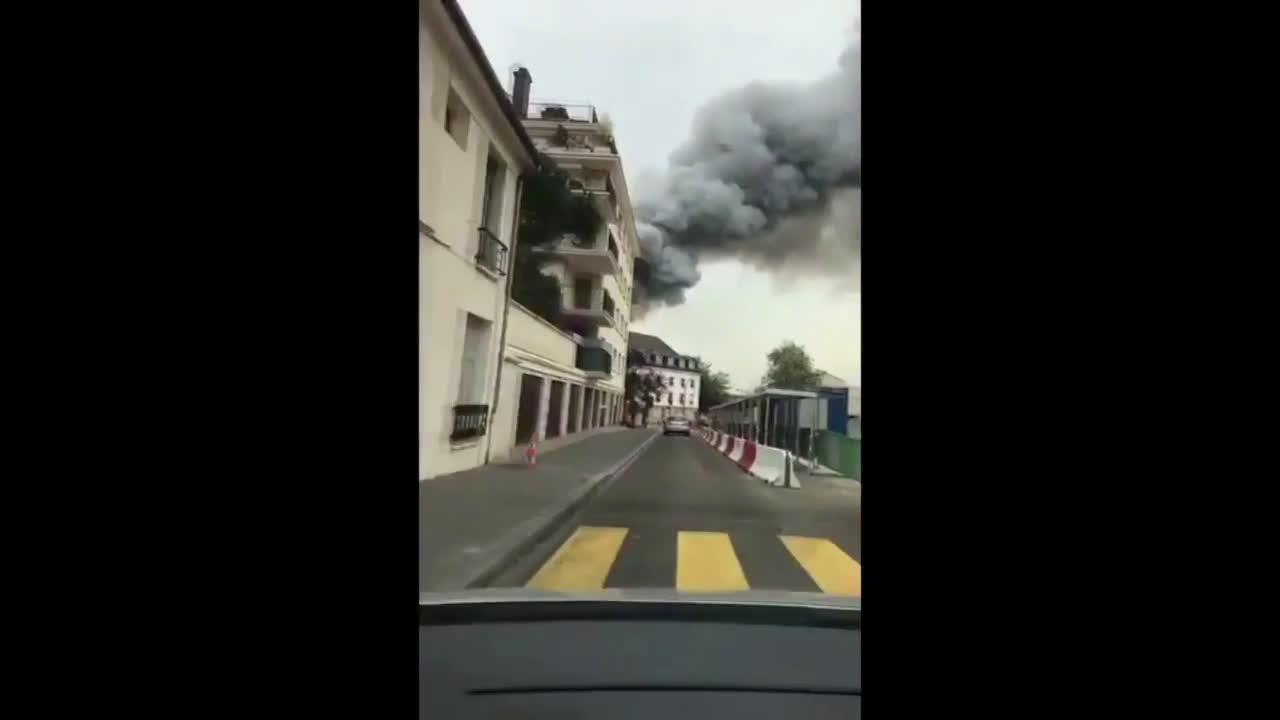 France: Thick smoke billows over Versailles as fire breaks out on Rue du Parc