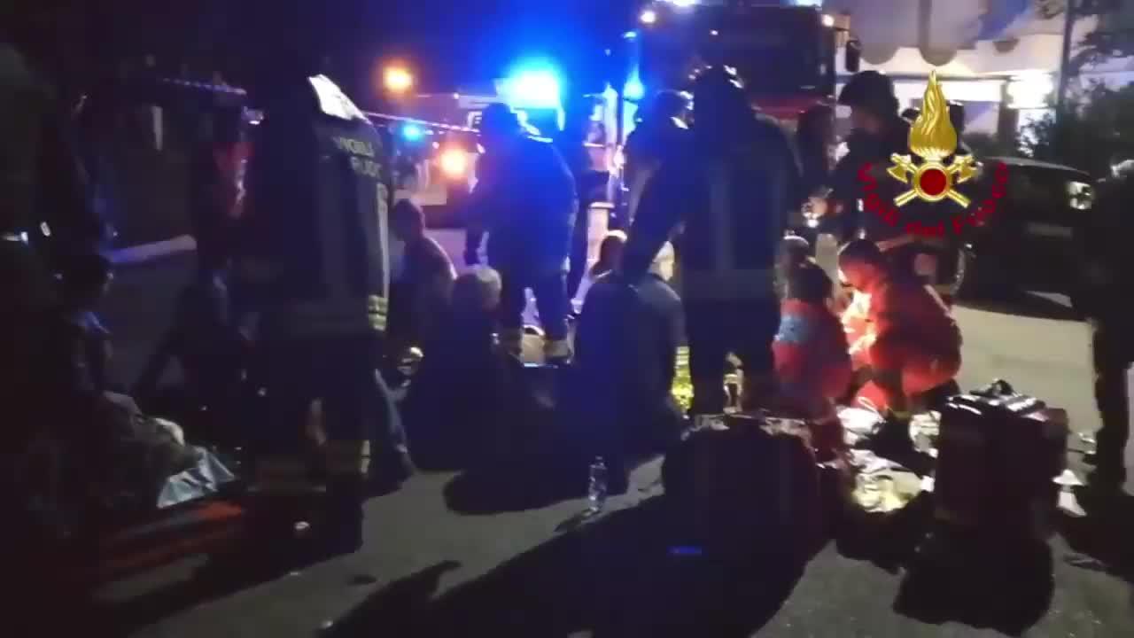 Италия: 6 загинали и 100 ранени в нощен клуб