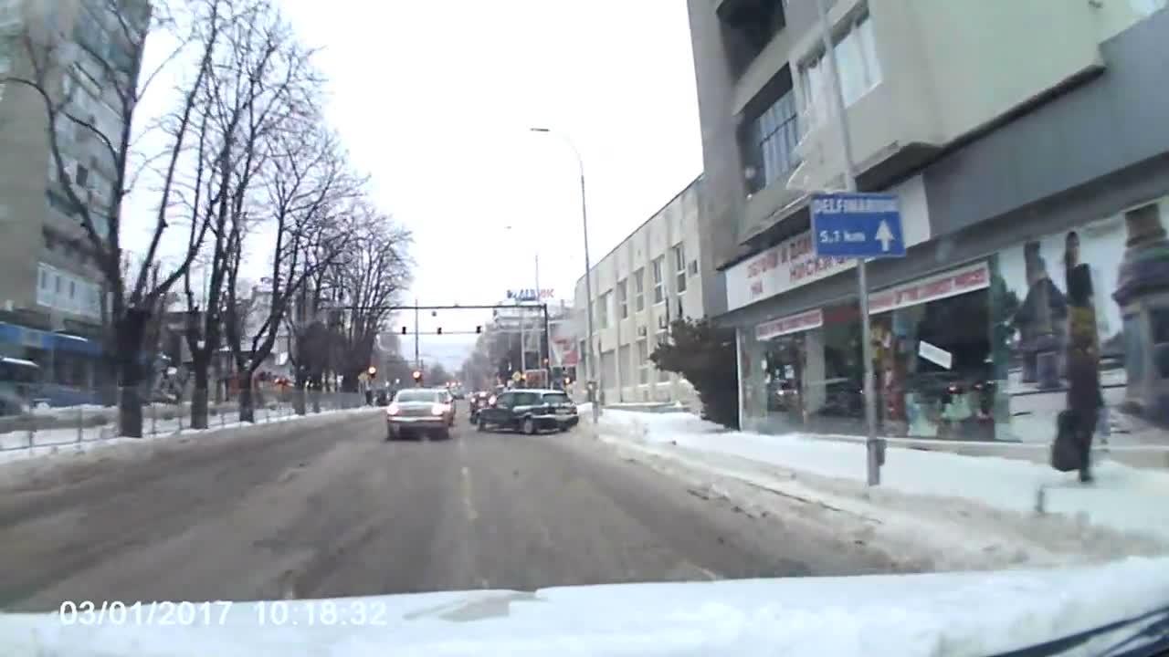 Дрифт по ледените улици на Варна