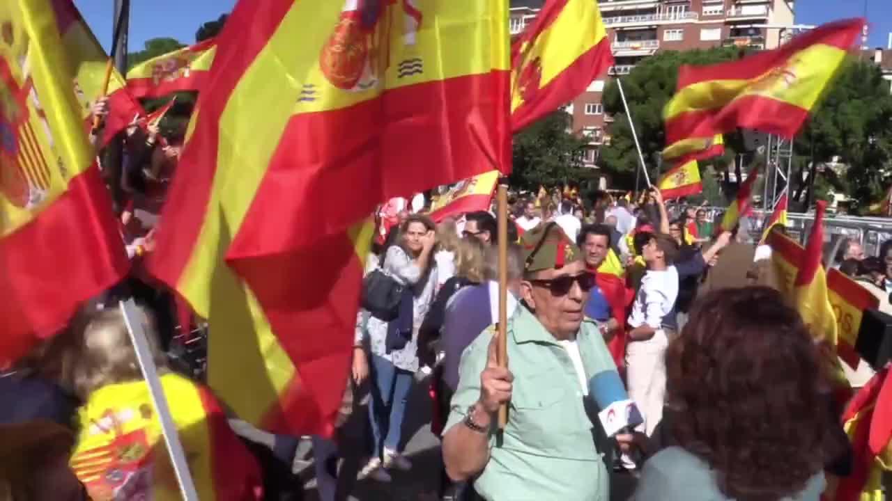 """""""Каталуния е Испания"""" - протест в Мадрид срещу обявената независимост"""