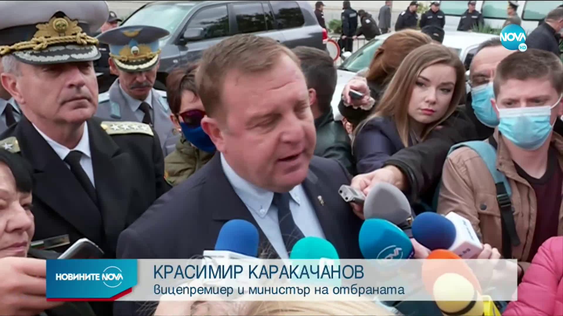 Каракачанов: Авиацията започва да се изправя на крака