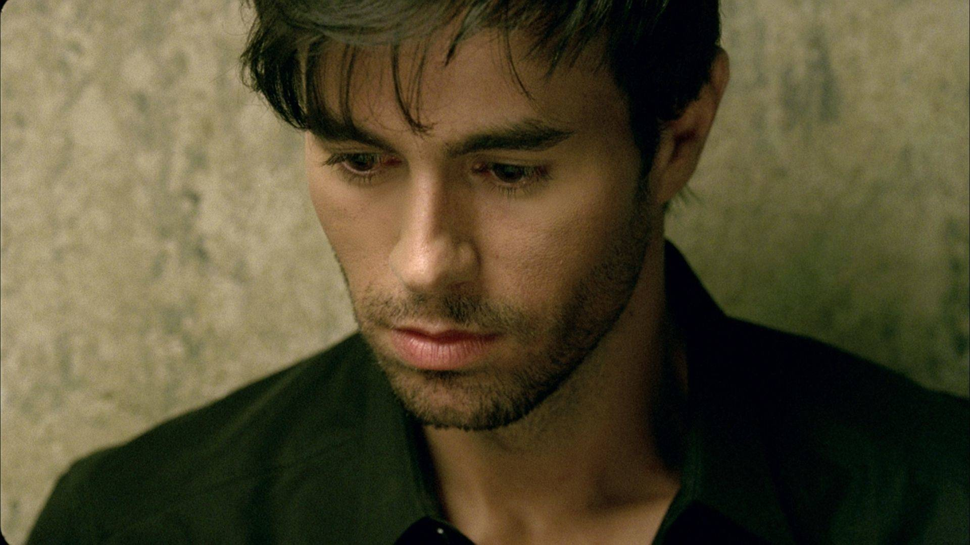 Enrique Iglesias - Heart Attack (Оfficial video)