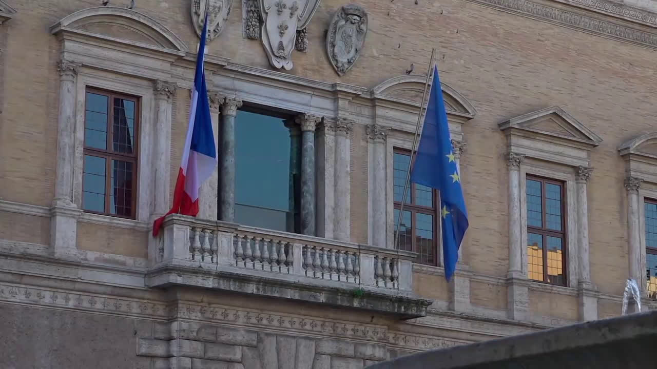 Italy: France recalls ambassador over \'unfounded attacks\' from Italy