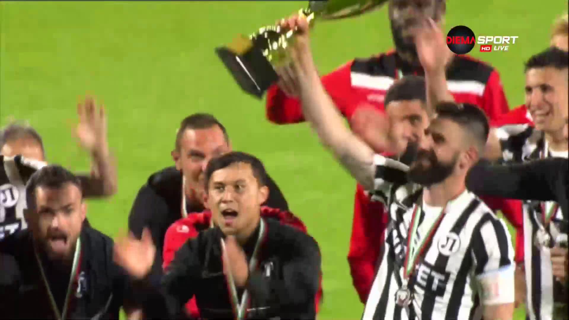 Локомотив Пловдив триумфира със сребърните медали в първенството