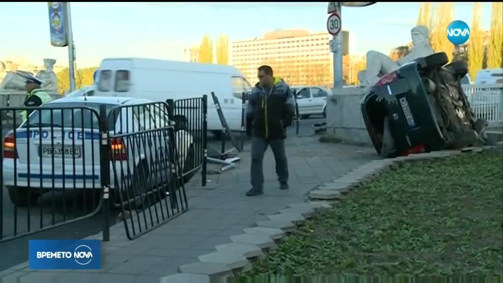 Зрелищна катастрофа затрудни движението в центъра на Пловдив