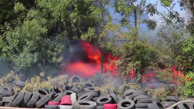Горя депото за автомобилни гуми в Шумен