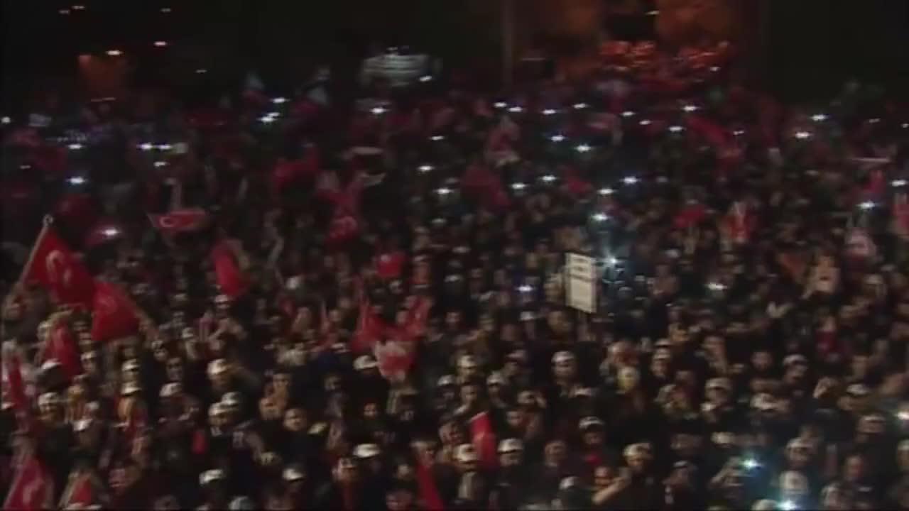 Турция: Всичко ми напомня за теб - емоционалната реч след победата на Ердоган
