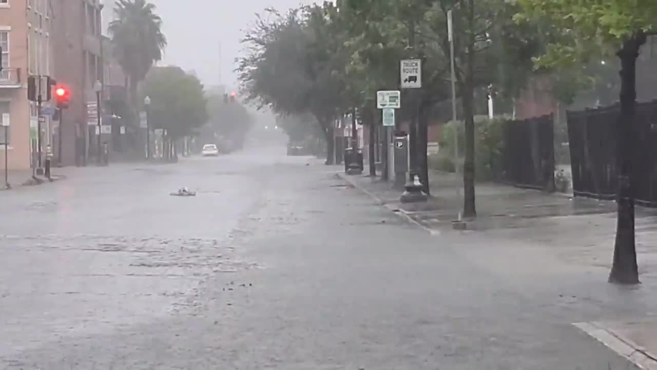 USA: Thousands left without power as Hurricane Ida hits New Orleans