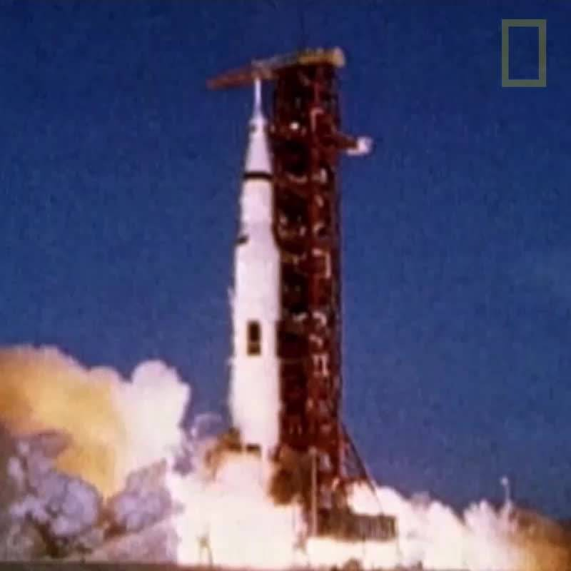 Аполо 11 каца на Луната