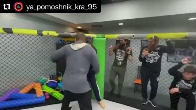 Хамзат Чимаев прави спаринги с Рамзан Кадиров