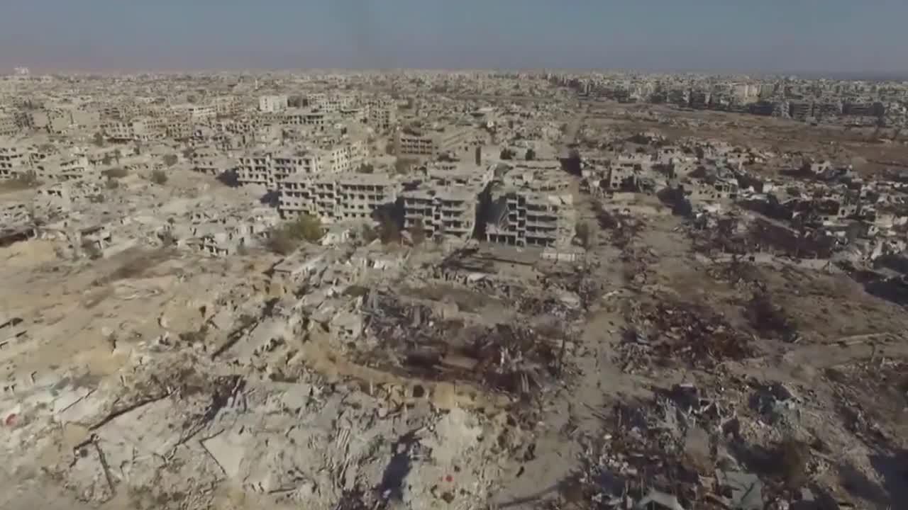 Сирия: Дрон показва разрушен квартал в Дамаск