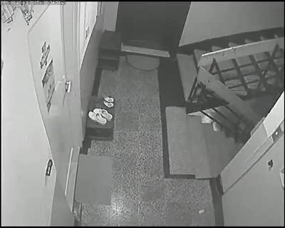 Крадци на обувки в Бургас