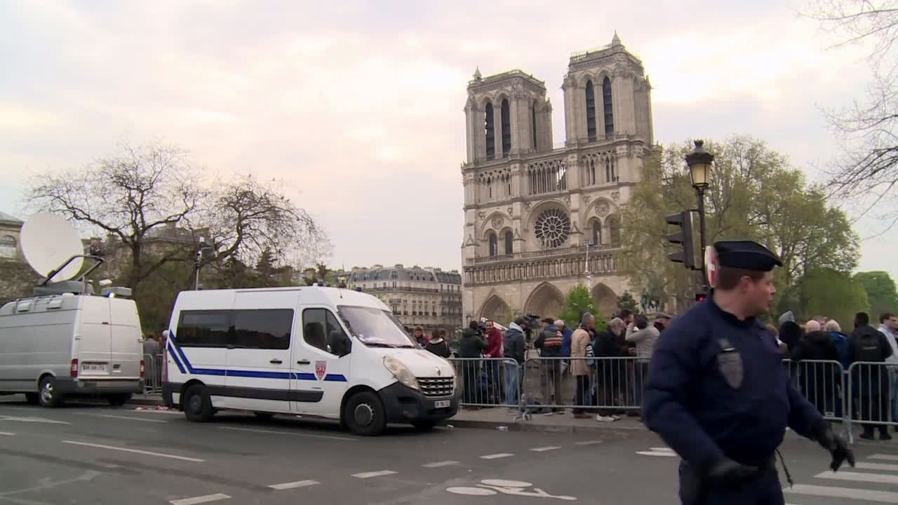 France: 'A symbol of France has disappeared' - Parisians react to Notre Dame fire