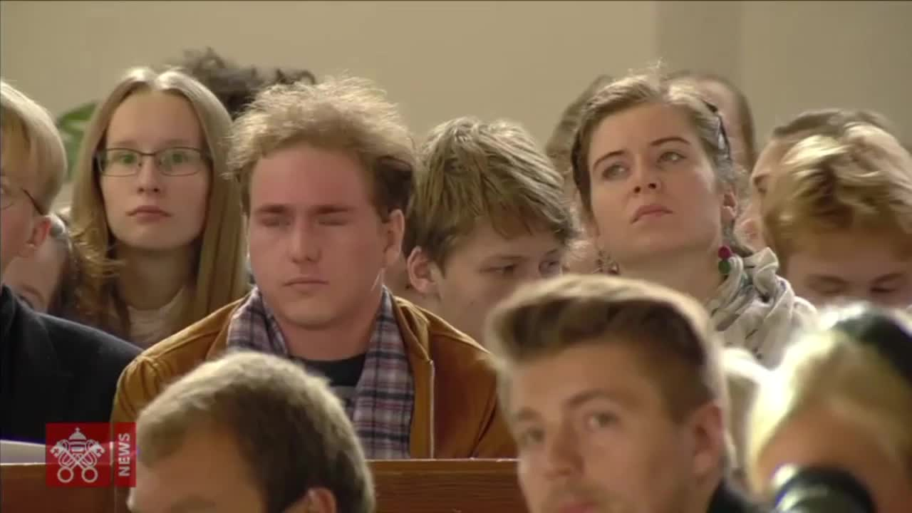 Estonia: Pope admits young people disillusioned with church after sex abuse scandals