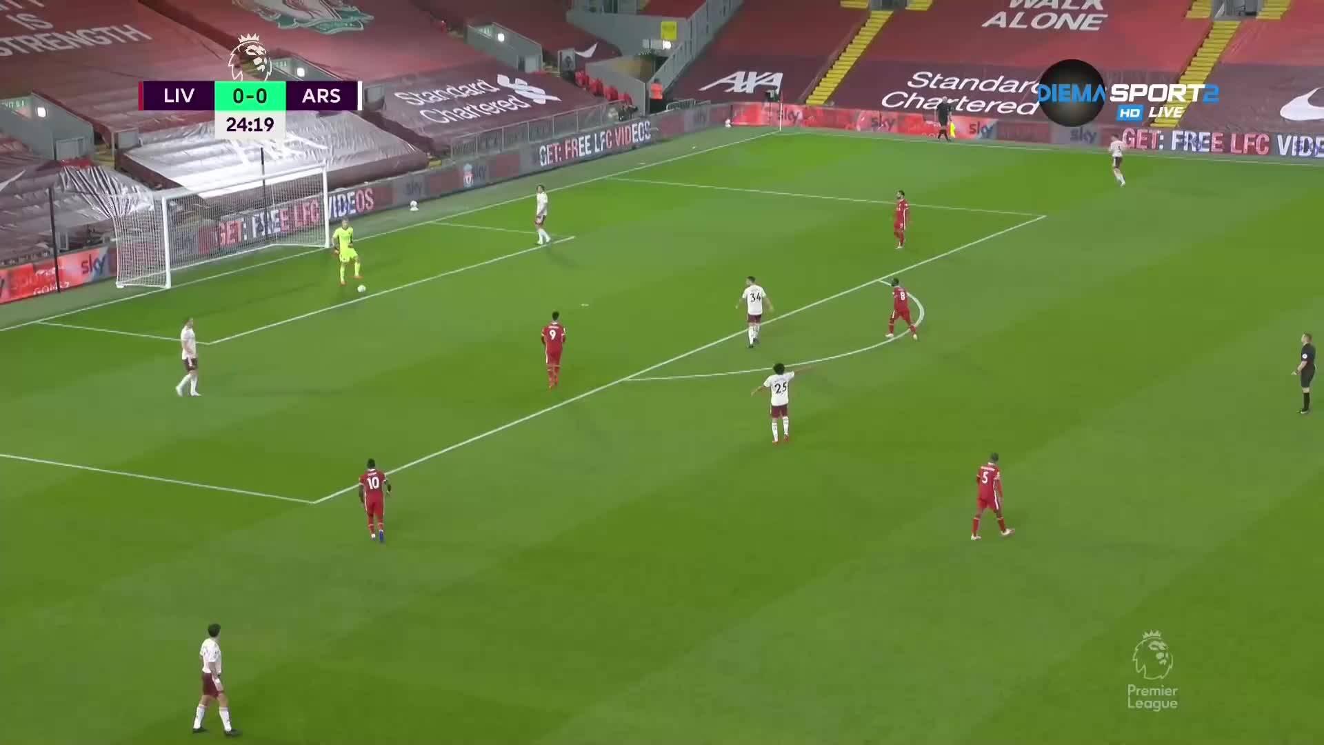 Лаказет откри за Арсенал срещу Ливърпул